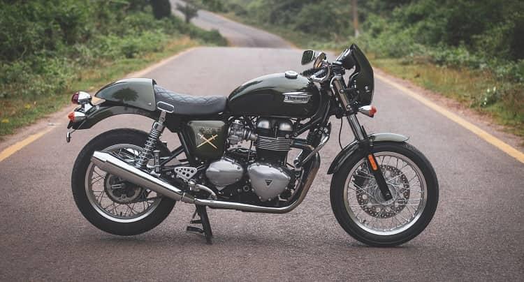 retro\naked motorcycle